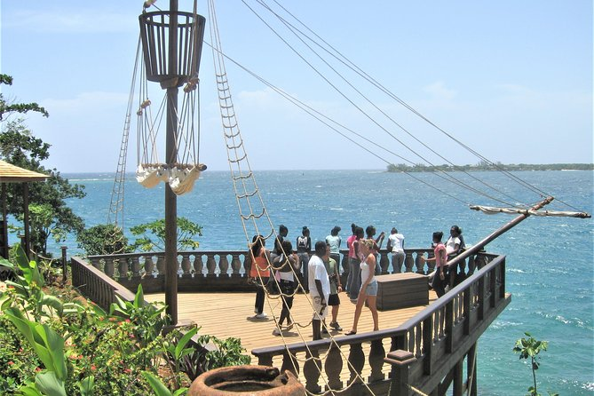 Excursão de compras para as Cataratas do Rio Dunn e Ocho Rios saindo de Montego Bay e Grand Palladium, Montego Bay, JAMAICA