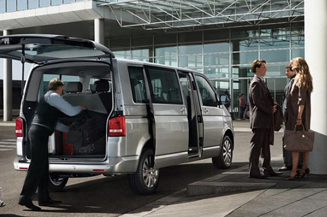 Private transfer from Nice City to Nice Airport, Niza, FRANCIA