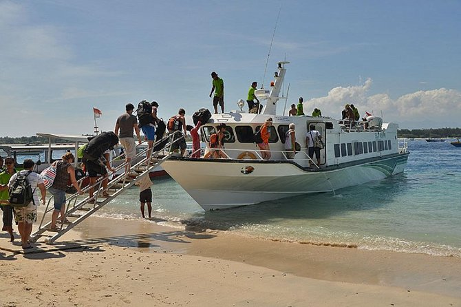 Pick up transfer from selected  Hotel  or from certain meeting Point  with air-conditioned in vehicle. Friendly staff will be assisting you for check in before aboard and help for your luggage. we offer more choice of attractive Journey and schedulle time,make you easy to explore Bali and Lombok , travel with  Aluminum Boat With A Long 23 Meters And Equipped With 4x Volvo D16 750HP. Brand New Engine To Ensure Passenger Safety With A Comfortable Capacity For 218 Passengers, Cruising At 35 Knots And Equipped With Safety Equipment, daily Route from Padang Bai, Serangan, Lembongan, Ceningan,Nusa penida To Gili Trawangan, Gili Meno, Gili Air And Bangsal Harbour (Lombok) <br><br>