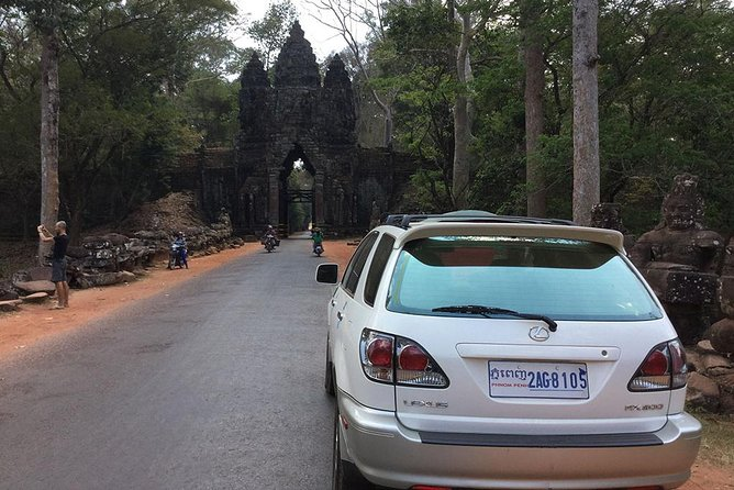 Angkor Wat Private Day Tours provides the most reliable private taxi transfer from Phnom Penh to Siem Reap with reasonable price and English-speaking driver.