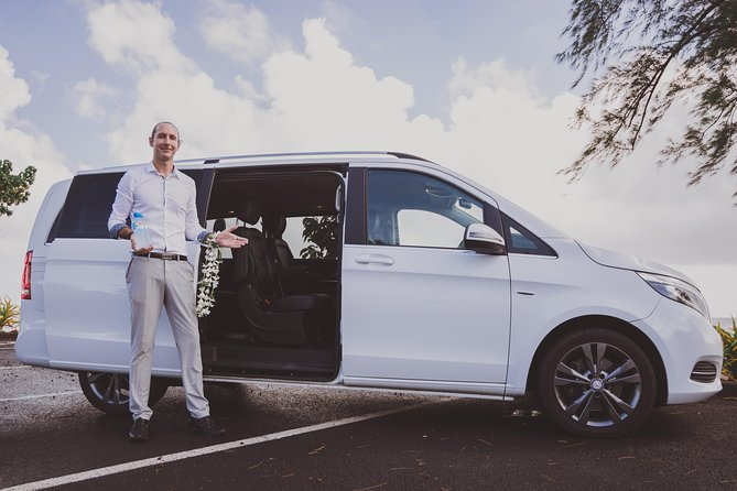 Organize your smooth and professional transportation in Tahiti by booking the best service. <br><br>Your guide will wait for you at the meeting point and drive you to your destination in our deluxe vehicle. <br><br>Service Security Smile is our motto !