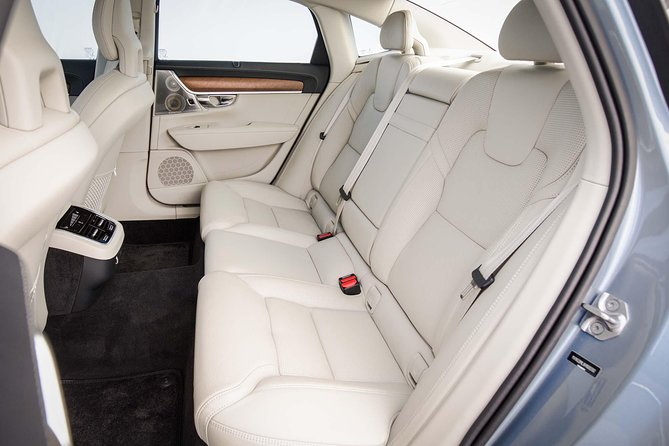 Departure Private Transfer Dusseldorf City to Dusseldorf Airport by Business Car, Dusseldorf, ALEMANIA