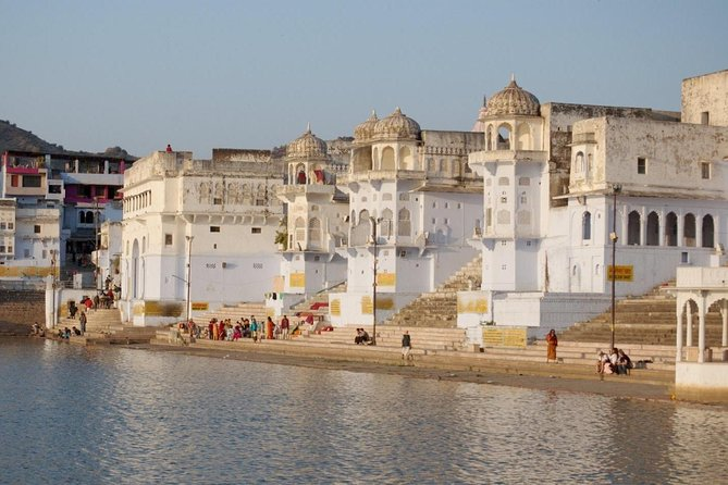 On this three-hour tour visit the holy sites of Pushkar that are situated around Lake Pushkar, the center of the town. One of the oldest towns of India, Pushkar is a major pilgrimage site for Hindus and Sikhs. Visit a Gurdwara (Sikh Temple) and the only temple in the world that is dedicated to the Hindu God Brahma, considered to be the Creator of the Universe.<br><br>Highlights<br> • Visit to a Sikh Gurdwara (temple) <br> • The only temple in the world dedicated to the Hindu God Brahma <br> • Lake Pushkar and the temples around it