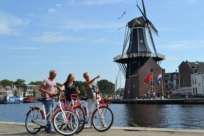 A great way of experiencing Haarlem with the Highlight Haarlem Bike Tour. During this bike tour - which takes approx. 2hr - our tour guides will show you the real Haarlem by Bike. We will visit many great places of the Old City, such as small hidden streets, old churches, visit 'Hofjes' and our guides will tell great interesting stories about living in Haarlem and the history. We will start our bike tour from our location in the middle of the city center in Haarlem (Drossestraat 2 Haarlem). The bike tour costs 25 euro per person, bicycles and guide is included.