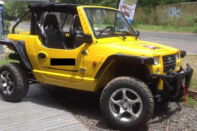 See more of the beautful island Moorea by renting a mini jeep roadster. The mini jeep roadster seats 2 people, has manual transittion and a and removable hood. You have the option to rent the roadster for 4-hours, 8 hours or 24 hours.