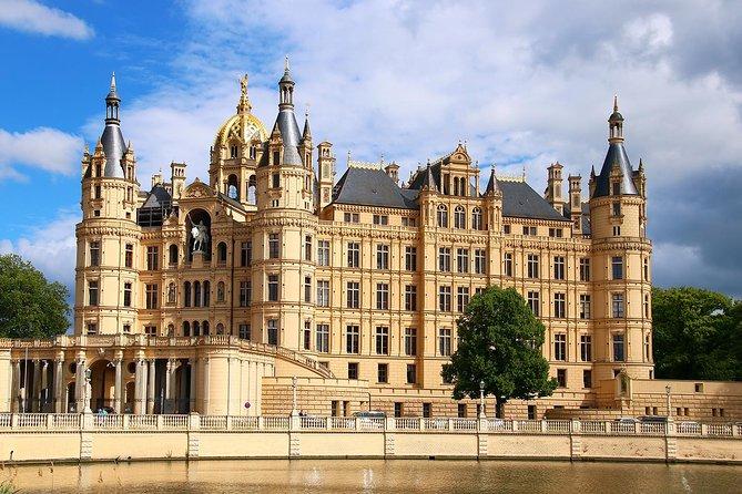 Shore Excursion: Hanseatic Rostock & Schwerin Join-in Tour, Rostock, ALEMANIA