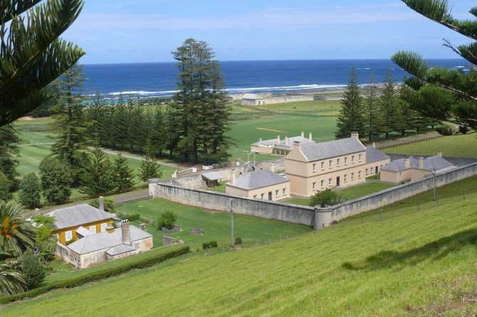 A tour that takes in the heritage and history of World Heritage ListedKingston, the original settlement of the first penal colony on Norfolk Island.