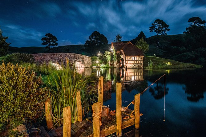 Escapada de un día al set de rodaje de Hobbiton y a las cuevas Waitomo Glowworm desde Auckland, Auckland, NUEVA ZELANDIA