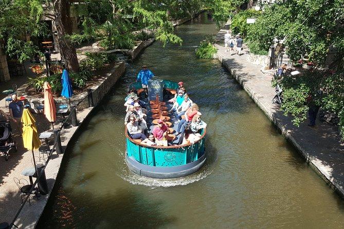 San Antonio River Walk Cruise, 3-Day Hop-On Hop-Off Bus Pass and Tower of the Americas, San Antonio, TX, ESTADOS UNIDOS