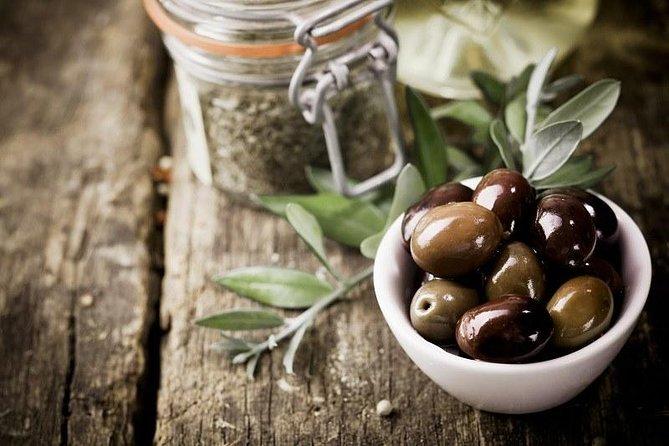 MÁS FOTOS, Tasting of extra virgin olive oil