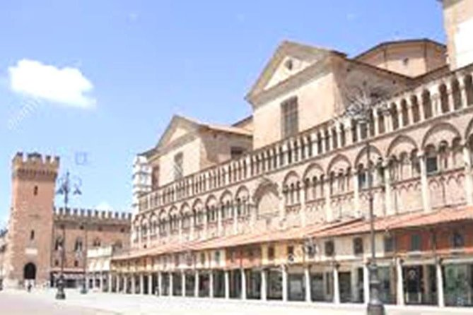 Small-Group Ferrara Tour of City Highlights with Top-Rated Local Guide, Ferrara, Itália
