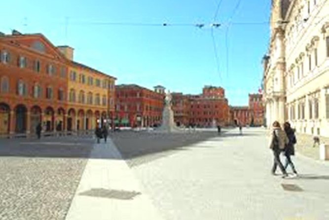 Modena Tour of Must-See Attractions with Local Top Rated Guide & Vinegar Tasting, Modena, ITALIA
