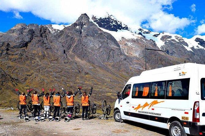 Aventura en la selva inca de 4 días a Machu Picchu con bici de montaña, rafting y tirolina, Cusco, PERU