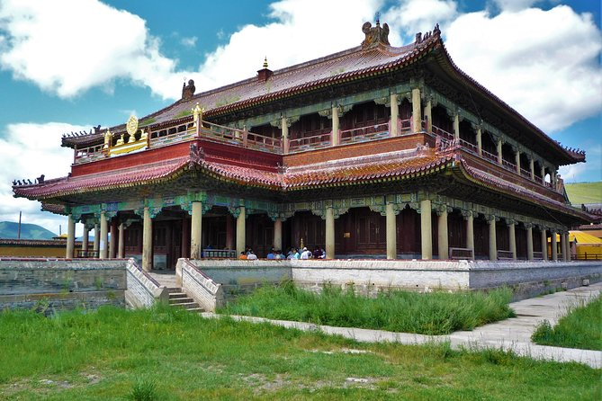Join this day trip to visit Amarbayasgalant Monastery for an unforgettable cultural experience as well as soaking up beautiful scenery and landscape of north central Asia.