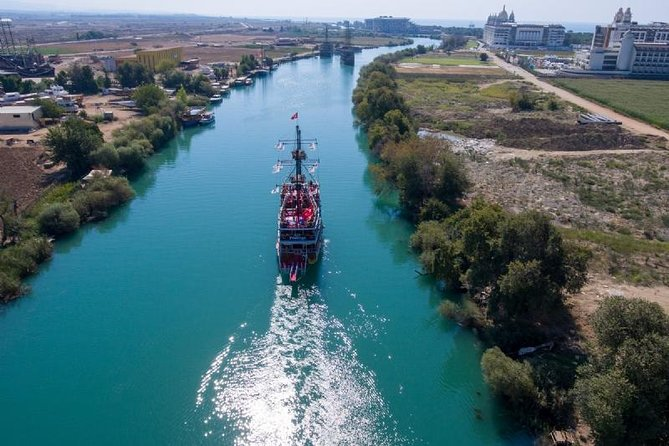 MÁS FOTOS, Manavgat River Cruise with Grand Bazaar and Lunch from Side