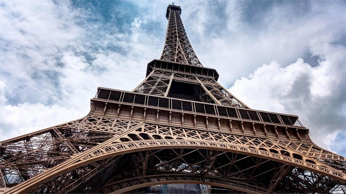 Eiffel Tower Guided Climb Tour with Optional Summit Access, Paris, França