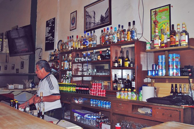 Traditional Cantinas Pub Crawl, Guadalajara, MÉXICO