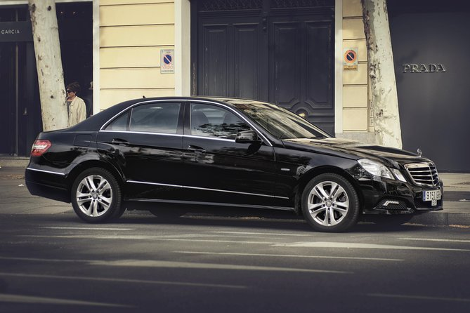 Why spend your precious time waiting in long shuttle or taxi lines. Avoid the language barrier and currency exchange. Travel in style from Berlin Schönefeld Airport SXF to your Hotel in Berlin City Center by private vehicle and reach your final destination relaxed and refreshed.