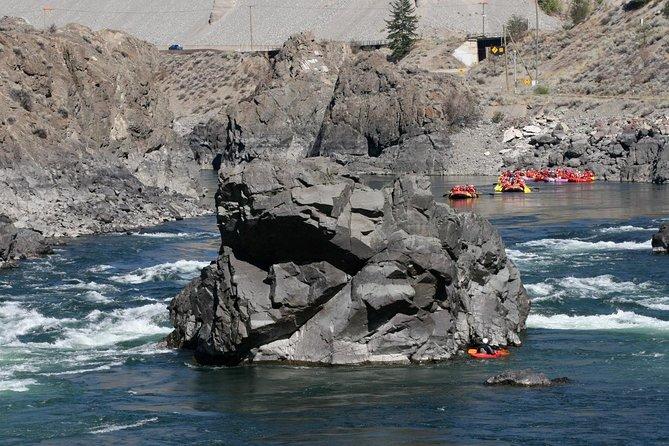 MÁS FOTOS, Thompson River Rafting Day Trip