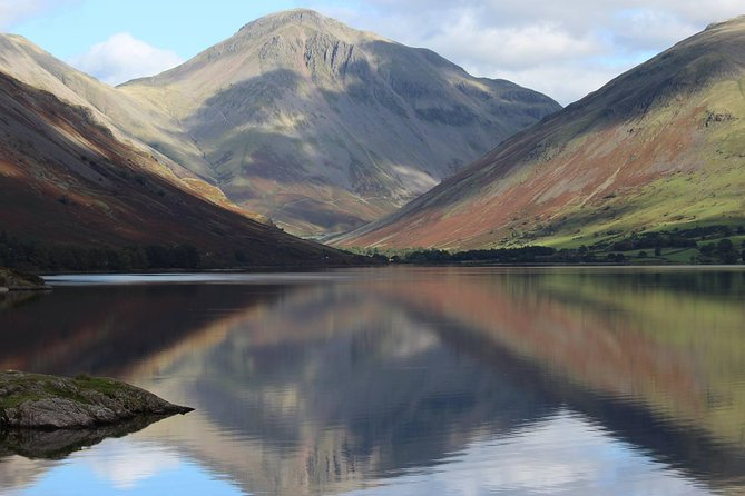 Discover the spectacular mountain landscapes of the Lake District without having to go hiking!  Enjoy this minibus tour of the national park's high mountain passes. Absorb incredible views from the Wrynose and Hardknott Mountain Passes, and the superb panoramas from Wastwater, voted Britain's best view.