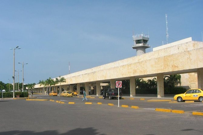 PRIVATE Transfer from the hotel to the Rafael Nuñez AIRPORT, Cartagena de Indias, COLOMBIA