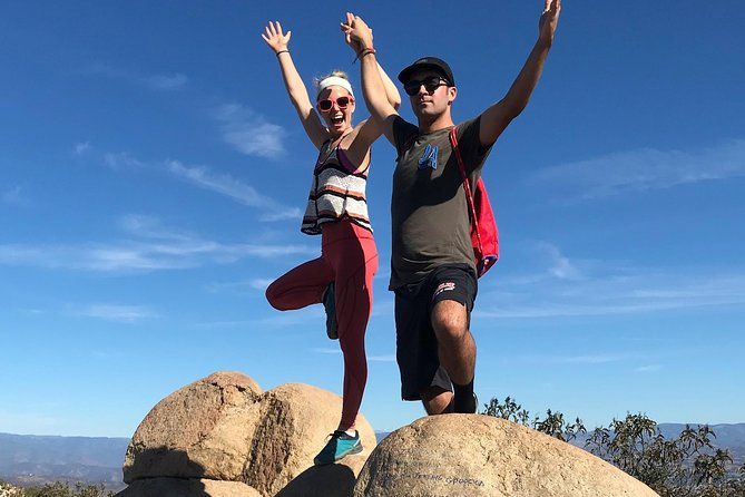 Hiking and Yoga on Iron Mountain, San Diego, CA, ESTADOS UNIDOS