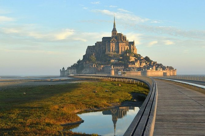 Let you drive and travel in a luxurious and comfortable minivan Mercedes from Rennes to Mont Saint-Michel.  <br><br>Mont Saint-Michel is located <br><br> about 1.15 hour from <br><br>Rennes. <br><br>For your  <br><br>Rennes-Mont Saint-Michel Transfer, our professional english speaking drivers guarantee a <br><br>punctual service available <br><br>7 days a week. <br><br>The price is <br><br>all include for a transfer <br><br>up to 7 people.