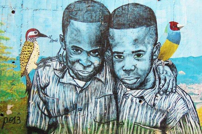 MÁS FOTOS, Recorrido por los graffitis de Comuna 13 y teleférico