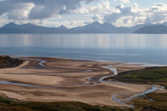 Enjoy a day exploring the scenic beauty of the Northern Highlands and travel to one of the most remote spots in Scotland; Applecross. Enjoy spectacular scenery, see a range of wildlife and experience the breath-taking Applecross Peninsula on your one day tour fromInverness.