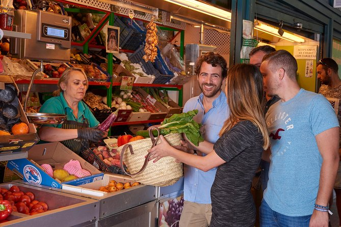 Foodie and Experinces Cooking School is located right outside Corredera Food Market. We food market toursandcooking classes.<br><br>During this guided tour, you will buy for the cooking class and learn about locally grown products and participate in the selection of some ingredients that will be used later in the cooking class. You will also meet many vendors, some of whom have been there for generations. As we arelocated outside Corredera Food Market, we can find the best fresh and seasonal ingredientes.<br><br>Our 4 hour hands-onSpanish cooking classconsisting in 3 course menu: cold soup, entree, main dish. Classes are taught by a professionally trained Foodie Expert in English.<br><br>During the class, you will get involved in the preparation of the dishes, as classes are designed for both novice and experienced cooks.