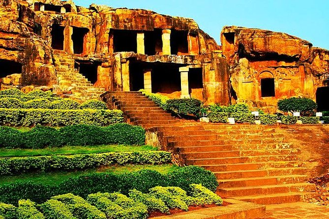 Our half day tour, get a chance to discover the ancient Khandagiri and Udayagiri caves and Tribal Museum. Learn about the history of these partly natural and artificial caves, which hold great archaeological, historical and religious significance. Also, explore the amazing collection kept at display at the Tribal Museum.