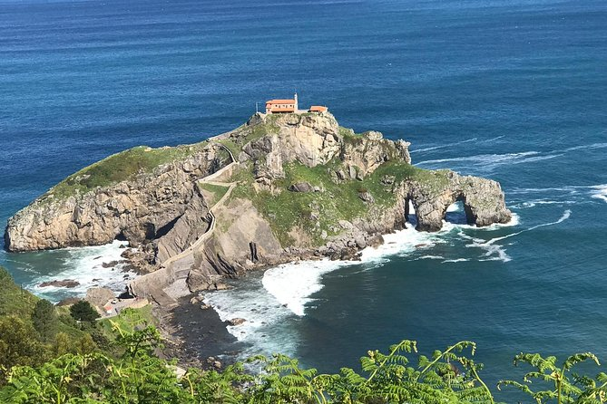 "Booking this 8-hour tour you will visit several of the <br><br>Basque Coast villages of this rocky area in a luxury vehicle guided by a professional driver. <br>- San Juan de Gaztelugatxe where scenes from ""Game of Thrones"" were shot. <br>- Urdaibai: Bermeo, Mundaka and Gernika. <br>- Visit Getaria and Zumaia and its amazing ""flysch"". You can eat a typical basque lunch in a seaside restaurant. <br>- Visit San Sebastián old city center.<br>- Return to Bilbao or San Sebastian."