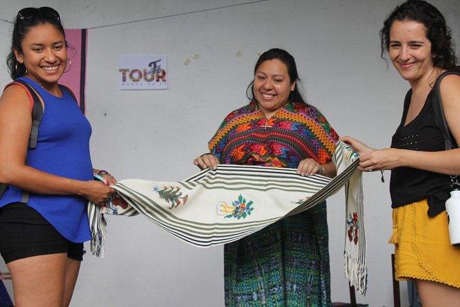 Mayan traditional textiles experience in San Antonio Aguas Calientes, Cidade da Guatemala, GUATEMALA