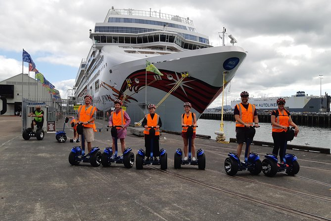 Experience an eco-friendly way to cruise the city at a pace that suits you. Segways are easy to ride, you don't have to balance them, the Segway balances you. <br>They are perfect for young and old alike. Glide along Auckland's Scenic Waterfront in a small group led by a great local guide.  Our passionate guides love what they do and are dedicated to ensure you have a memorable and fun experience! <br><br>This option will give you a taste of how much fun these machines are to ride and the duration of the tour will be approx 1 hour.  <br><br>