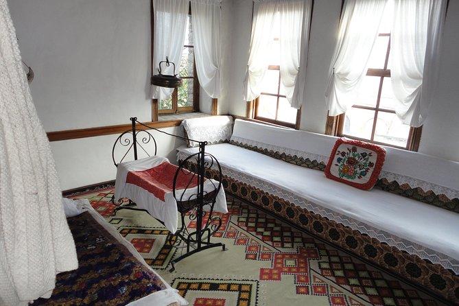 Discover Albania from Corfu, Tirana, Albânia