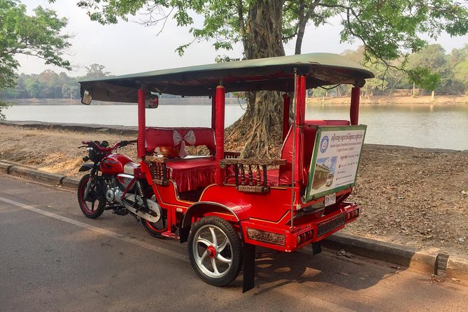 Our one way private airport transfer is by an unique transportation called 'Tuk Tuk'. You will be met at the hotel lobby with meet and greet service and personalized signage. You will be transferred directly to Siem Reap International Airport.