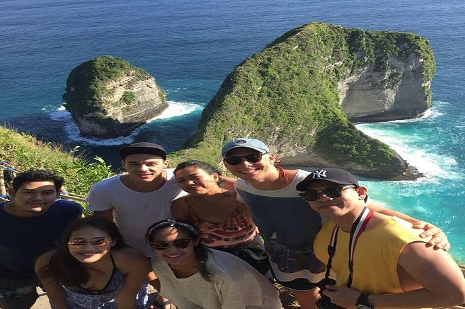 Nusa Penida is best island to explore three famous pure beaches nearBali. There are 3 most famous islands, located around 20 km away from Bali to the south-east known asNusa Penida Island, Nusa Ceningan Island and Nusa Lembongan Island. Each of these Islands shares their own unique tourism destination and arts. For many peoples, these three Islands might not be recognized as parts of Bali's district. Somehow, they give a great contribution to the tourism development in Bali area. Among these three islands, Nusa Penida Island is the largest one, and also well known as the best destination for Snorkeling.Although the two others islands, Nusa Lembongan and Nusa Ceningan is located separated, they're still administratively belong to the Nusa Penida area.Administratively, the islands is a district of Klungkung regency