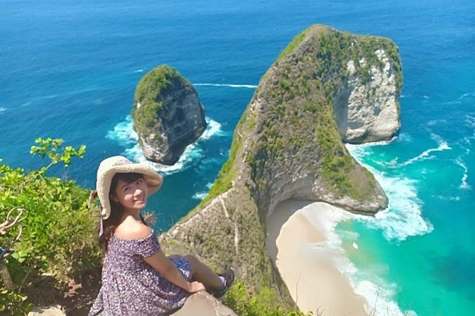 Explore the beautiful island of Nusa Penida on a Half day Tour and snorkeling from Bali. Relax on the white sand beaches far from the tourist crowds and experience a perfect getaway.<br><br>If you're visiting the island of Bali, then you might want to know that there's a nearby island that's great to visit if you want to avoid the noisy crowds. go on a wonderful trip to the West Side of the Nusa Penida island and revel in the joys of its tranquil atmosphere and picturesque landscape. Drop by magnificent photo stops worth posting on your Instagram, such as Angela Billabong, Broken Beach, Klingking Beach, and the Crystal Bay. You'll get the opportunity to go swimming in the crystal clear waters of the area. You can even go snorkeling in Crystal Bay, gamat Bay, or Wall Point and discover the majestic marine life in the area. This is definitely a must for any beachgoer visiting Bali.