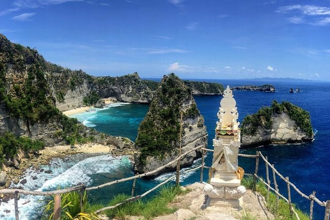 Enjoy a full day small group tour to Nusa Penida Island Village. You will enjoy a scenic return boat trip from Sanur to Nusa Penida Village. You will then be able to explore Nusa Penida Village on a Car with a driver as cum guide . lunch is provided. Finish off your day by checking outAtuh Beach – perhaps the most stunning of locations on Nusa Penida<br><br>The East side of Nusa Penida is untamed, wild and rugged. It is made of beautifully soaring cliffs that drop down tosecludeduntouched beaches below<br><br>Highlights<br> • Adventure Journey <br> • Enjoy fantastic aerial views <br> • visit Atuh Beach,Pulau seribu ( a thousand island ),Tree house and Teletubies Hills <br> • Soak up the atmosphere on a car Tour <br> • Enjoy a day away from the hustle and bustle of the city <br> • Small-group tour
