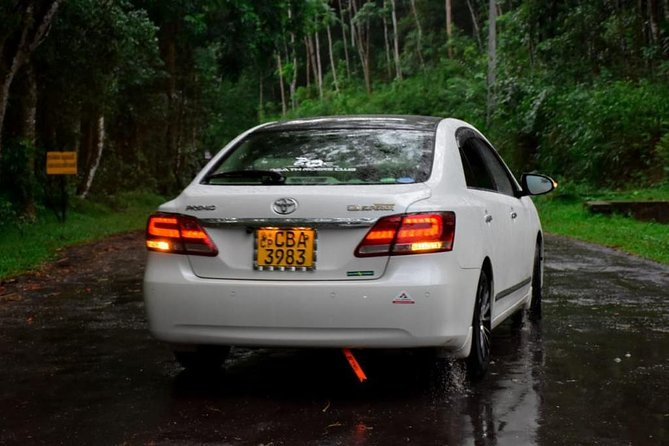 ExploreSL Luxury Private Airport Transfer (CMB-BIA) to Kandy Hotels, Kandy, Sri Lanka
