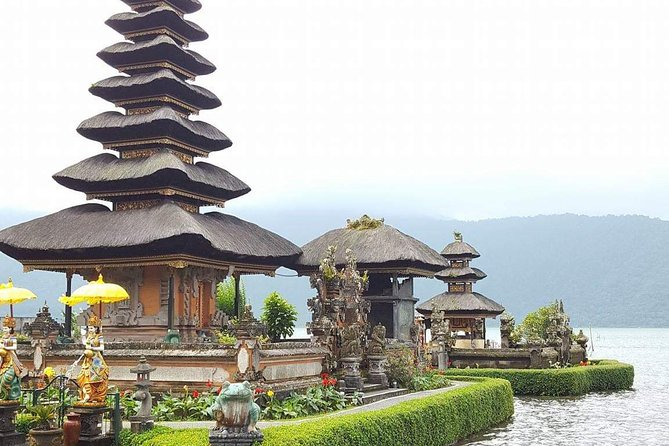 • 1. Pick up from hotel/accomodation <br><br> 2.visiting ulundanu temple lake beratan  (one of famous temple in bali) sarrounded by green fores,cool wheather and big garden. <br><br>3.twin lake view, and munduk waterfall <br><br>4.budha temple and banjar hotspring <br><br>4.discover lovina area