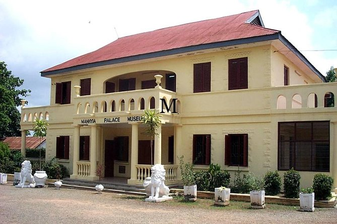 Most tours of Ashanti are overnight trips that requires one to pay more for accommodation. You can still visit Ghana's cultural heartbeat in a day from Accra for less. This is an experience you will not forget.