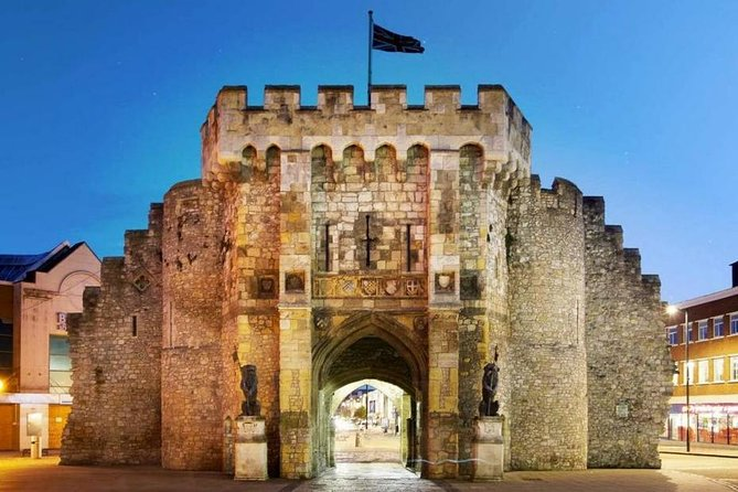 Private Guide Tour IN or FROM Southampton to Salisbury&Stonehenge OR Bournemouth, Southampton, ENGLAND