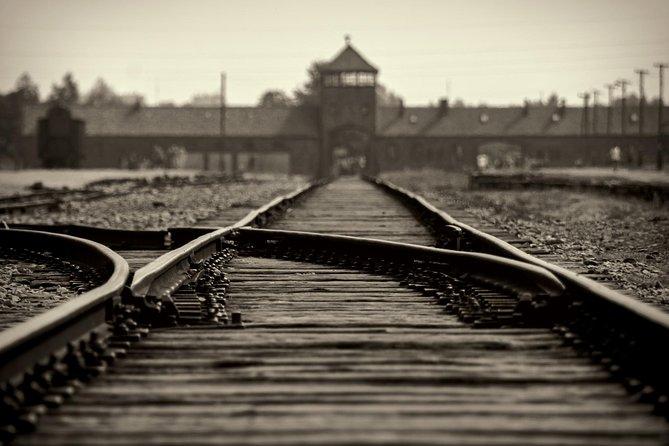 Auschwitz-Birkenau tour from Wroclaw with private driver, Breslavia, POLÔNIA