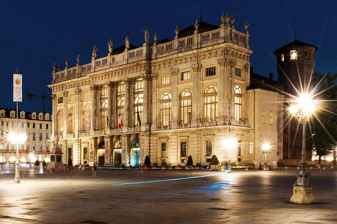 Turin by Night Food Tour with Eating Drinking Sightseeing and Vermouth Tasting, Turin, Itália