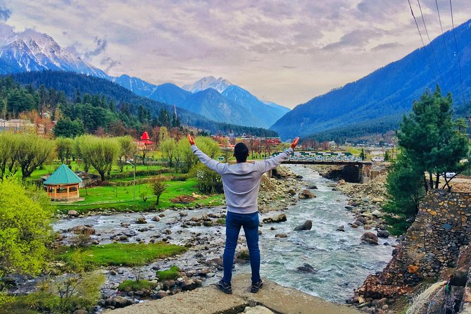 You are welcome to explore and be part of the Kashmir Nature. Kashmir is a very beautiful and naturally gifted destination. Having three beautiful regions, Kashmir Ladakh and Jammu and altogether makes it incomparably beautiful. You will be exploring the gifted nature of Kashmir for those 6 days and find out why Kashmir is being called as the Paradise on Earth.