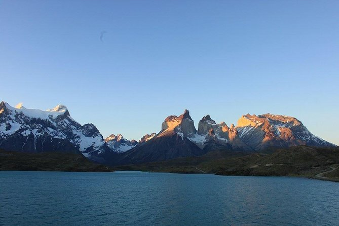 You can get to know the two wonders of Chilean Patagonia, the imposing Torres del Paine and Tierra del Fuego to the majestic king penguin<br><br>You can navigate through the Strait of Magellan in Ferry to Tierra del Fuego you will meet the king penguin and also a tour of the city, museum and Selknam square (ethnic group already extinct) and Torres del Paine to know all the tourist attraction