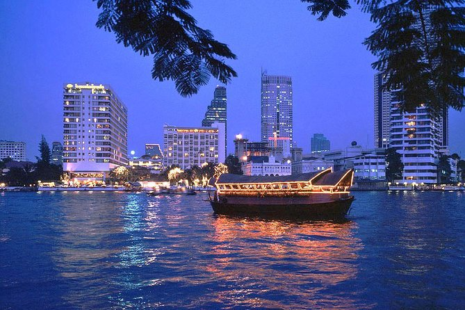 Get on board of a luxury rice barge and journey along the Chao Phraya River for a 2-hour dinner cruise. See the marvelous sights and temples of Bangkok from the water as you enjoy delicious food from around Thailand in the comfort and tranquility of this luxury, open-air cruise.