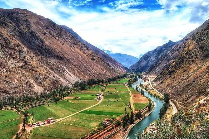Excursion to the Sacred Valley and Machu Picchu for 2 days and 1 night, Cusco, PERU
