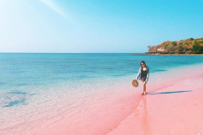 Explore the Tangsi Beach in Lombok, West Nusa Tenggara Province which more popularly known among tourists as Pink Beach. The beach is crowned as the most beautiful among the 7 most beautiful beaches in the world. We will also bring you to Gili Petelu & Gili Pasir which another amazing places for the underwater marine lovers.<br><br>Highlights:<br> • Enjoy taking photos at Tangsi beach with the unique pink sands <br> • Discover beautiful corals & fishes by snorkeling at Gili Petelu <br> • See many starfishes lined up welcoming the tourist at Gili Pasir <br><br>